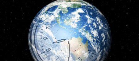 28 березня –  Година Землі